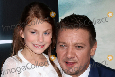 Abigail Pniowsky Photo - LOS ANGELES - NOV 6  Abigail Pniowsky Jeremy Renner at the Arrival Premiere at Village Theater on November 6 2016 in Westwood CA