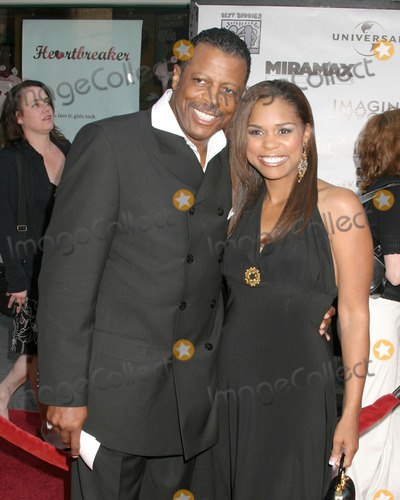 Ali Woodson Photo - Ali WoodsonKimberly BrooksCinderella Man World PremiereGibson AmphitheatreUniversal City WalkLos Angeles CAMay 23 2005