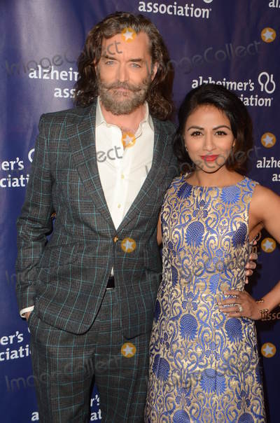 Karen David Photo - LOS ANGELES - MAR 9  Timothy Omundson Karen David at the A Night at Sardis - 2016 Alzheimers Association Event at the Beverly Hilton Hotel on March 9 2016 in Beverly Hills CA
