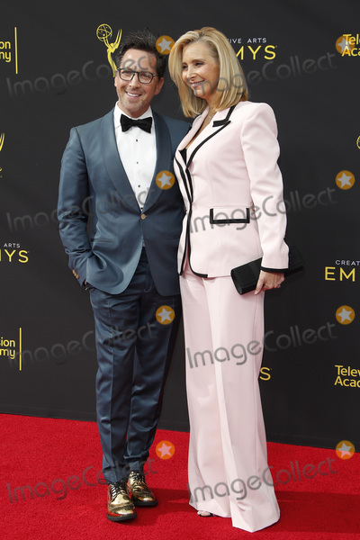 Lisa Kudrow Photo - LOS ANGELES - SEP 14  Dan Bucatinsky Lisa Kudrow at the 2019 Primetime Emmy Creative Arts Awards at the Microsoft Theater on September 14 2019 in Los Angeles CA