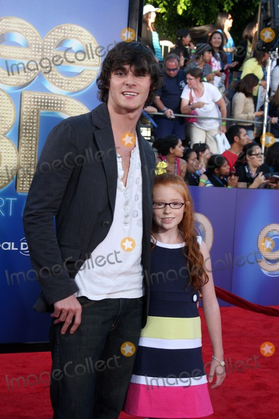 Lacianne Carriere Photo - LOS ANGELES - AUG 6  RJ Mitte sister Lacianne Carriere arriving at the Glee The 3D Concert Movie at Regency Village Theater on August 6 2011 in Westwood CA