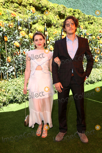 Mae Whitman Photo - LOS ANGELES - OCT 3  Mae Whitman Robert Jumper at the 10th Annual Veuve Clicquot Polo Classic Los Angeles at the Will Rogers State Park on October 3 2019 in Pacific Palisades CA
