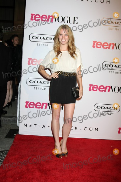 Ashley Hinshaw Photo - LOS ANGELES - SEPT 23  Ashley Hinshaw arriving at  the 9th Annual Teen Vogue Young Hollywood Party at the Paramount Studios on September 23 2011 in Los Angeles CA