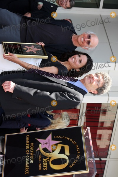 Alan Horn Photo - Larry David  Julia Louis-Dreyfus  ALan Hornat the Hollywood Walk of Fame Ceremony for Julia Louis-DreyfusHollywood Walk of Fame - W HotelLos Angeles CAMay 4 2010