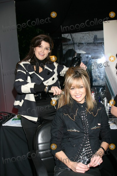 April Scott Photo - April Scott being pampered at the Bokaos  boothGBK Productions Oscar Gifting SuiteBoulevard3Los Angeles CAFebruary 22 2008