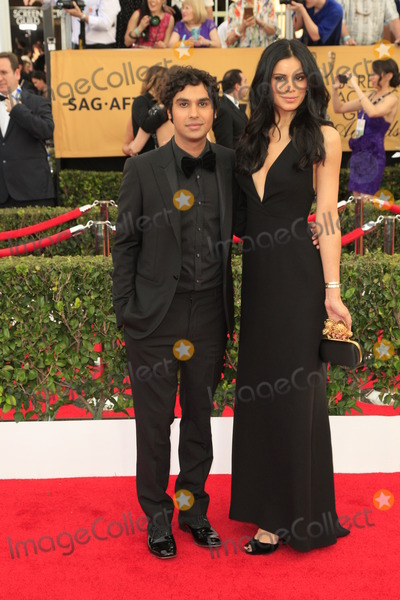 Kunal Nayyar Photo - LOS ANGELES - JAN 25  Kunal Nayyar Neha Kapur at the 2015 Screen Actor Guild Awards at the Shrine Auditorium on January 25 2015 in Los Angeles CA