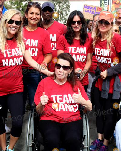 Nanci Ryder Photo - LOS ANGELES - OCT 16  Reese Witherspoon Friend Nanci Ryder Courteney Cox Renee Zellweger Kate Linder at the ALS Association Golden West Chapter Los Angeles County Walk To Defeat ALS at the Exposition Park on October 16 2016 in Los Angeles CA