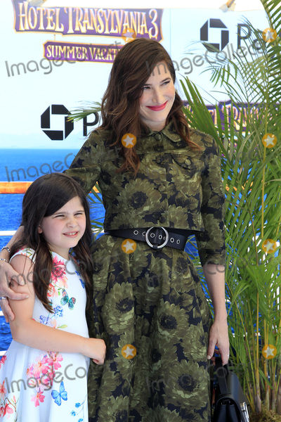 Kathryn Hahn Photo - LOS ANGELES - JUN 30  Mae Sandler Kathryn Hahn at the Hotel Transylvania 3 Summer Vacation World Premiere at the Village Theater on June 30 2018 in Westwood CA
