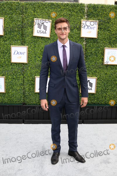 Hartley Sawyer Photo - LOS ANGELES - OCT 14  Hartley Sawyer at the CW Networks Fall Launch Event  at the Warner Brothers Studios on October 14 2018 in Burbank CA
