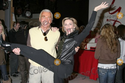 Judith Chapman Photo - Jerry Douglas  Judith ChapmanYoung and the Restless Celebrates 18 years with the 1 RatingCBS Television CityLos Angeles  CAJanuary 8 2007