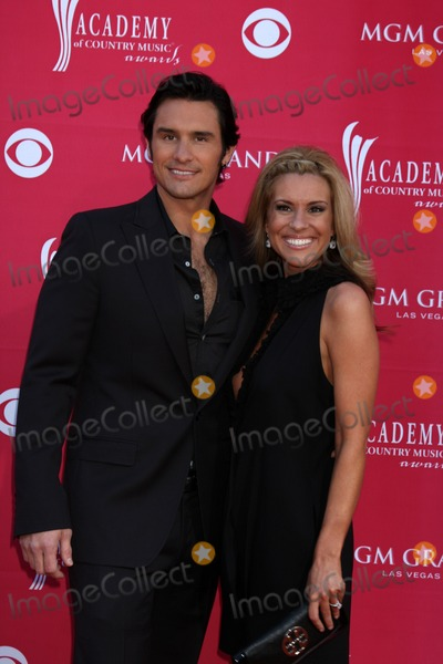 Joe Nichols Photo - Joe Nichols  arriving at the 44th Academy of Country Music Awards at the MGM Grand Arena in  Las Vegas NV on April 5 2009