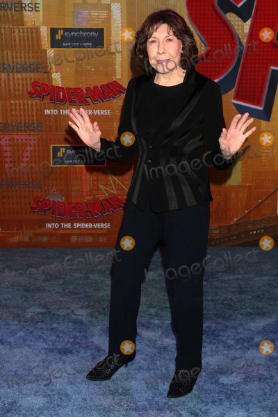 Lily Tomlin Photo - LOS ANGELES - DEC 1  Lily Tomlin at the Spider-Man  Into the Spider-Verse Premiere at the Village Theater on December 1 2018 in Westwood CA
