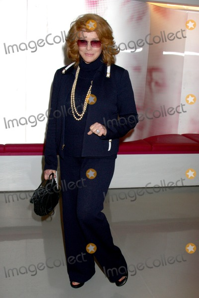 Ann-Margret Photo - Ann-Margret arriving at a screening of  Lookin To Get Out  which will debut on DVD June 30 from Warner Home VideoUCLAs Billy Wilder Theater at Hammer Museum in Westwood VillageLos Angeles CA  on June 29 2009