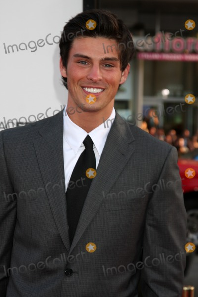 Adam Gregory Photo - Adam Gregory  arriving at the 17 Again Premiere at Graumans Chinese Theater in Los Angeles CA on April 14 2009