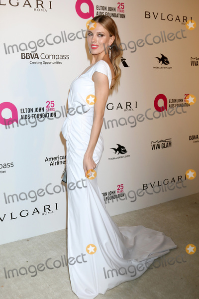 Bar Pali Photo - LOS ANGELES - MAR 4  Bar Paly at the 2018 Elton John AIDS Foundation Oscar Viewing Party at the West Hollywood Park on March 4 2018 in West Hollywood CA