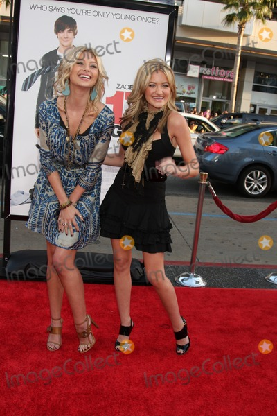 Aly  AJ Photo - Aly  AJ  aka Alyson Michalka  Amanda Michalka  arriving at the 17 Again Premiere at Graumans Chinese Theater in Los Angeles CA on April 14 2009