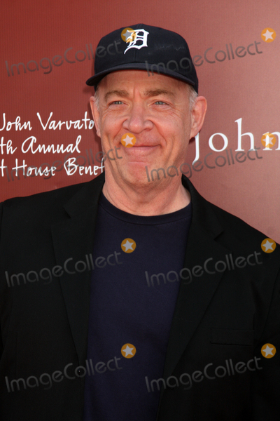 JK Simmons Photo - LOS ANGELES - MAR 13  JK Simmons arriving at the John Varvatos 8th Annual Stuart House Benefit at John Varvaots Store on March 13 2011 in Los Angeles CA