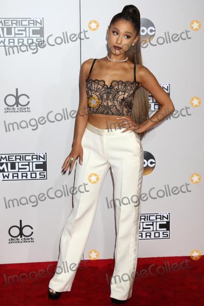 Ariana Grande Photo - LOS ANGELES - NOV 20  Ariana Grande at the 2016 American Music Awards at Microsoft Theater on November 20 2016 in Los Angeles CA