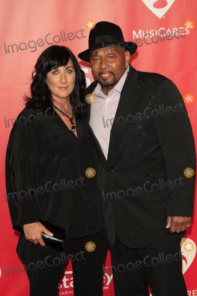 Aaron Neville Photo - LOS ANGELES - FEB 6  Aaron Neville at the MusiCares 2015 Person Of The Year Gala at a Los Angeles Convention Center on February 6 2015 in Los Angeles CA