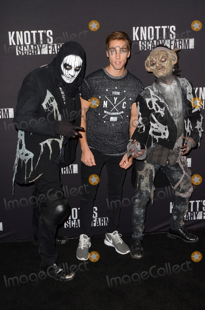 Austin North Photo - LOS ANGELES - SEP 30  Austin North at the 2016 Knotts Scary Farm at Knotts Berry Farm on September 30 2016 in Buena Park CA