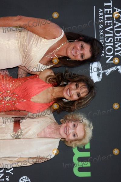 Agnes Nixon Photo - Julie Carruthers Susan Lucci  Agnes Nixon  arriving at the Daytime Emmys at the Orpheum Theater in  Los Angeles CA on August 30 2009
