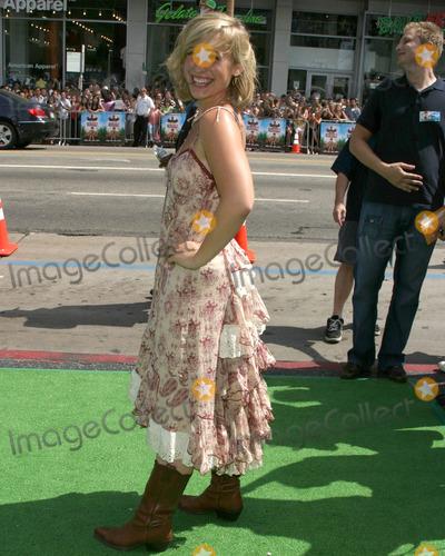 Allison Mack Photo - Allison MackThe Ant Bully LA PremiereGraumans Chinese TheaterLos Angeles CAJuly 23  2006