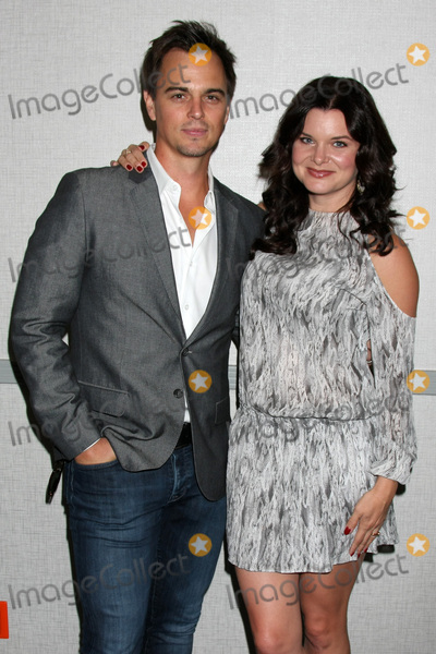 Darin Brooks Photo - LOS ANGELES - AUG 20  Darin Brooks Heather Tom at the Bold and the Beautiful Fan Event 2017 at the Marriott Burbank Convention Center on August 20 2017 in Burbank CA