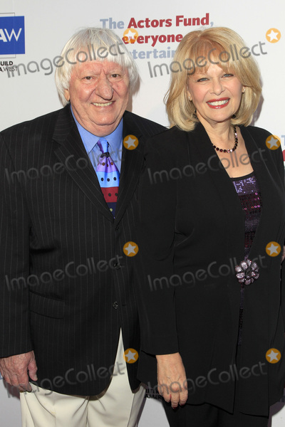 Ilene Graff Photo - LOS ANGELES - JUN 11  Ben Lanzarone Ilene Graff at the Actors Funds 21st Annual Tony Awards Viewing Party at the Skirball Cultural Center on June 11 2017 in Los Angeles CA