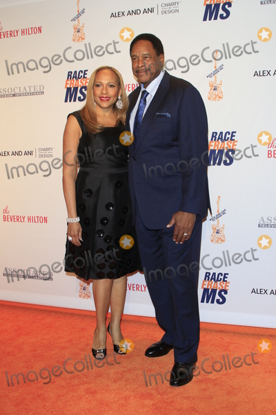 Dave Winfield Photo - LAS VEGAS - APR 15  Tonya Turner Dave Winfield at the  23rd Annual Race To Erase MS Gala at the Beverly Hilton Hotel on April 15 2016 in Beverly Hills CA