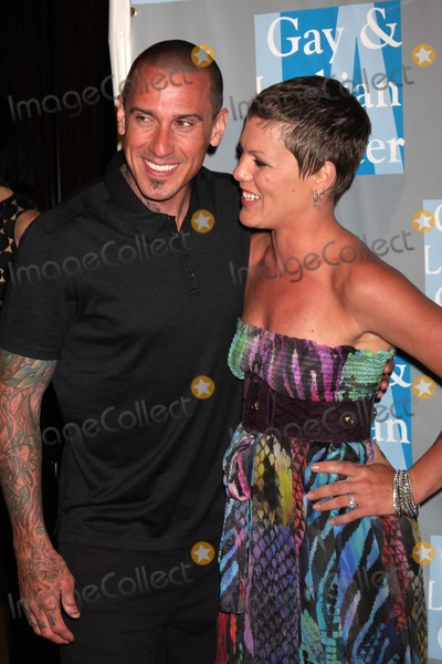 Pink (Alecia Moore) Photo - Carey Hart  Pink (Alecia Moore)arrives at An Evening with Women - LA Gay  Lesbian Centers GalaBeverly Hilton HotelBeverly Hills CAMay 1 2010