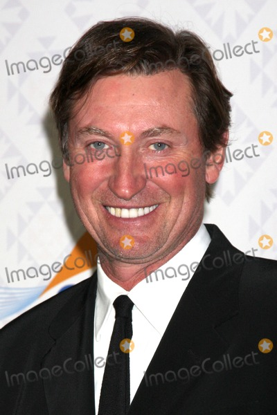 Alfred Mann Photo - LOS ANGELES - OCT 13  Wayne Gertzky at the 10th Alfred Mann Foundation Gala at Robinson-May Lot on October 13 2013 in Beverly Hills CA