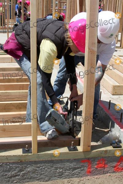 Arianne Zucker Photo - Arianne Zuckerat the Habitat For Humanity San FernandoSanta Clarita  Valleys Women Empowerment Building Site - TV  Soap StarsHabitat for Humanity build site 12600 Carl StPacoima CAMay 23 2010