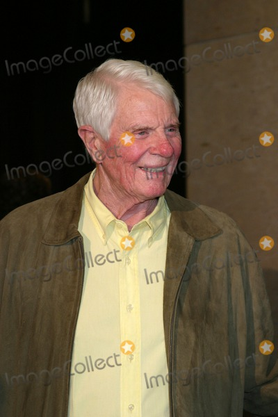 Peter Graves Photo - Peter GravesGolden Boot AwardsBeverly Hilton HotelBeverly Hills CAAugust 12 2006