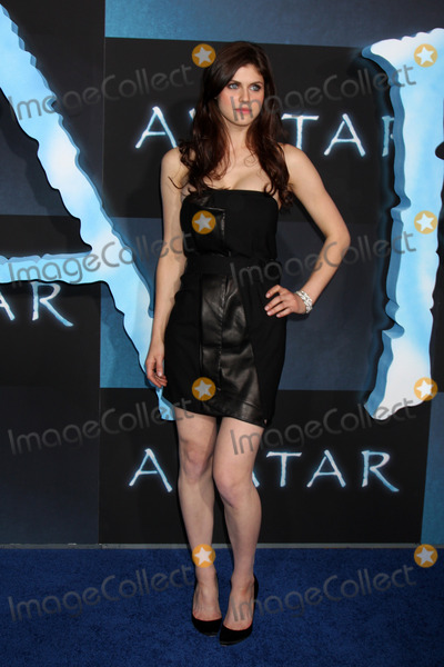 Alexandra Daddario Photo - Alexandra Daddarioarriving at the Los Angeles Premiere of AvatarGraumans Chinese TheaterLos Angeles  CADecember 16 2009