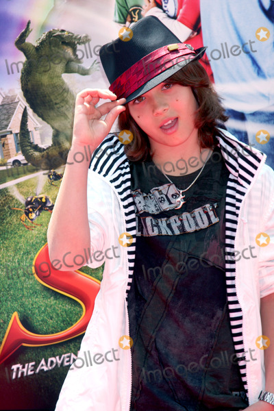 Leo Howard Photo - Leo Howard   arriving at the Shorts Premiere at  Gaumans Chinese Theater in Hollywood CA  on August 15  2009