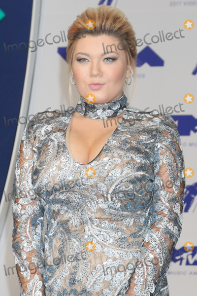 Amber Portwood Photo - LOS ANGELES - AUG 27  Amber Portwood at the MTV Video Music Awards 2017 at The Forum on August 27 2017 in Inglewood CA