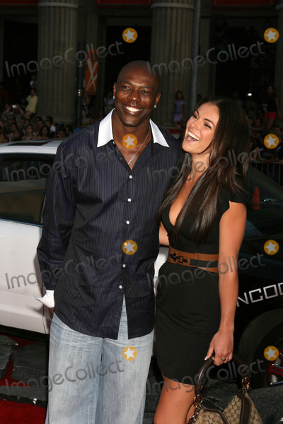 Terrell Owens Photo - Terrell Owens   arriving at Graumans Chinese Theater for  the premiere of Hancock in Los Angeles CA onJune 30 2008