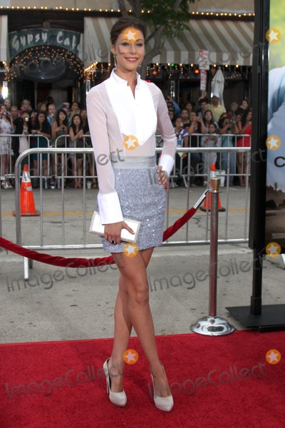 Amanda Crews Photo - LOS ANGELES - JUL 20  Amanda Crew arrives at the Charlie St Cloud Premiere at Village Theater on July20 2010 in Westwood CA