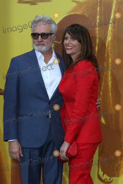 Amy Landecker Photo - LOS ANGELES - MAY 18  Bradley Whitford Amy Landecker at the Godzilla King Of The Monsters Premiere at the TCL Chinese Theater IMAX on May 18 2019 in Los Angeles CA