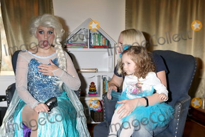 Adrienne Frantz Photo - LOS ANGELES - NOV 26  Elsa Impersonator Amelie Bailey Adrienne Frantz at the Amelie Bailey 2nd Birthday Party at Private Residence on November 26 2017 in Studio City CA