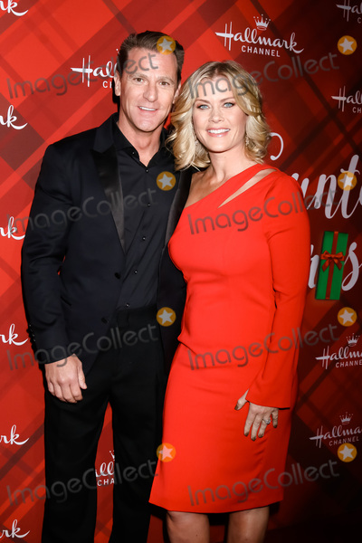 Alison Sweeney Photo - LOS ANGELES - DEC 4  David Snow Alison Sweeney at the Christmas At Holly Lodge Screening at 189 The Grove Drive on December 4 2017 in Los Angeles CA