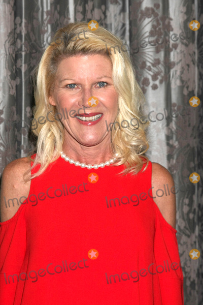 Alley Mills Photo - LOS ANGELES - AUG 20  Alley Mills at the Bold and the Beautiful Fan Event 2017 at the Marriott Burbank Convention Center on August 20 2017 in Burbank CA