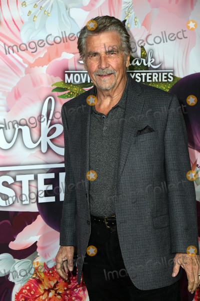 James Brolin Photo - LOS ANGELES - JAN 13  James Brolin at the Hallmark Channel and Hallmark Movies and Mysteries Winter 2018 TCA Event at the Tournament House on January 13 2018 in Pasadena CA