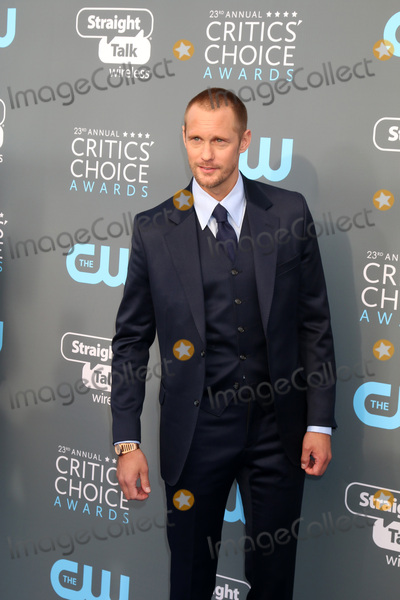Alexander Skarsgard- Photo - LOS ANGELES - JAN 11  Alexander Skarsgard  at the 23rd Annual Critics Choice Awards at Barker Hanger on January 11 2018 in Santa Monica CA