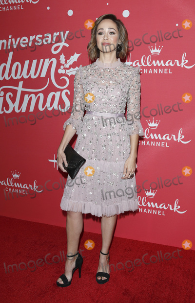 Autumn Reeser Photo - LOS ANGELES - NOV 20  Autumn Reeser at the Hallmark 10th Anniversary Countdown to Christmas at the Grove on November 20 2019 in Los Angeles CA