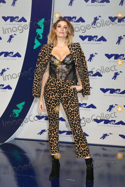 Arielle Vandenberg Photo - LOS ANGELES - AUG 27  Arielle Vandenberg at the MTV Video Music Awards 2017 at The Forum on August 27 2017 in Inglewood CA