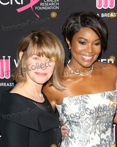 Kate Capshaw Photo - LOS ANGELES - FEB 28  Kate Capshaw Gabrielle Union at the Womens Cancer Research Funds An Unforgettable Evening at the Beverly Wilshire Hotel on February 28 2019 in Beverly Hills CA