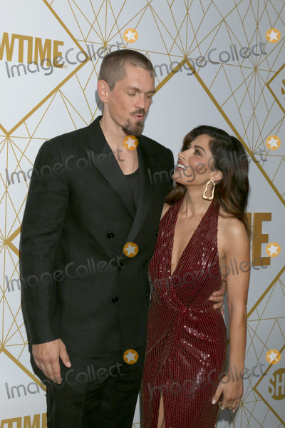 Steve Howey Photo - LOS ANGELES - SEP 21  Steve Howey Sarah Shahi at the Showtime Emmy Eve Party at the San Vicente Bungalows on September 21 2019 in West Hollywood CA