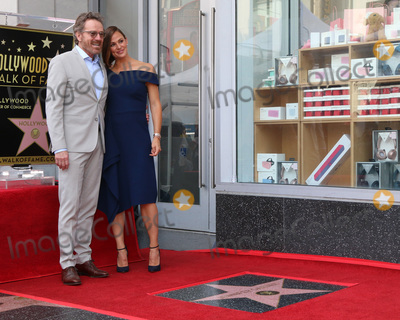 Bryan Cranston Photo - LOS ANGELES - AUG 20  Bryan Cranston Jennifer Garner at the Jennifer Garner Star Ceremony on the Hollywood Walk of Fame on August 20 2018 in Los Angeles CA
