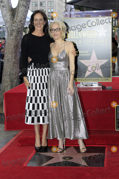 Annabeth Gish Photo - LOS ANGELES - JAN 8  Annabeth Gish Gillian Anderson at the Gillian Anderson Star Ceremony on the Hollywood Walk of Fame on January 8 2018 in Los Angeles CA
